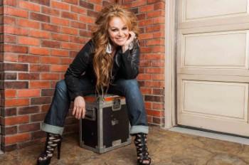 Hear the New Jenni Rivera Posthumous Single 'Engañémoslo'