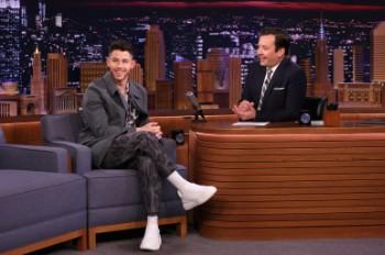 Nick Jonas Talks New JoBros Album & That Unfortunate Grammys Spinach Incident on 'Fallon': Watch