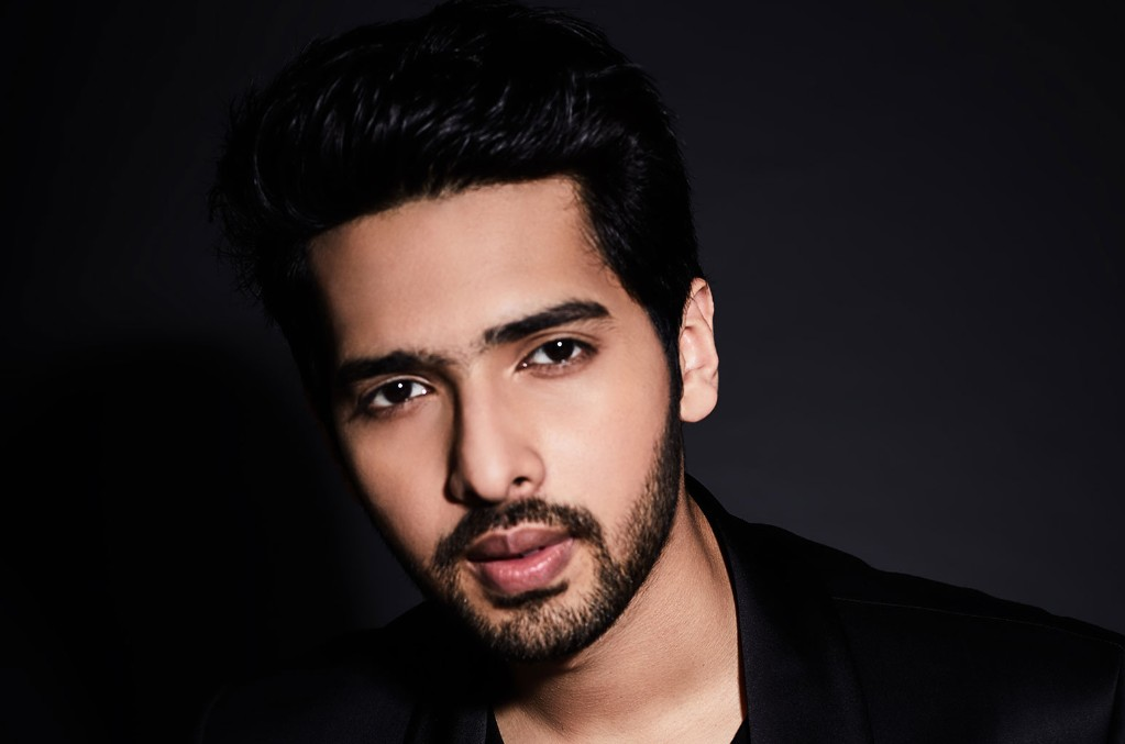 Armaan Malik Debuts Coronavirus-Inspired Song 'What in the World' During Billboard Live At-Home