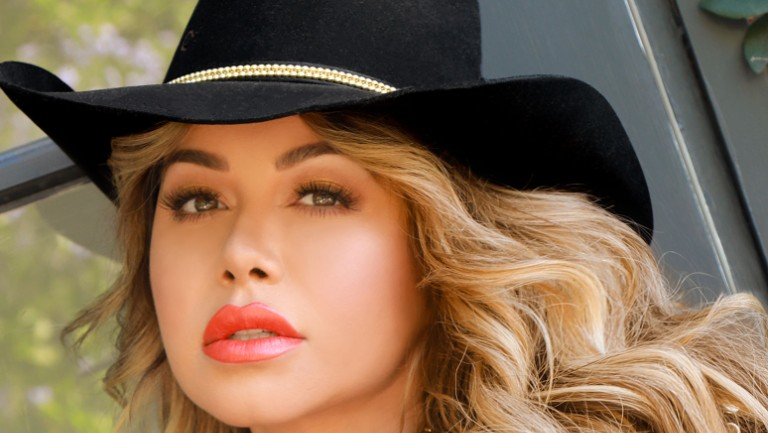 Chiquis On Christmas Singing 2020 20 Questions With Chiquis: Regional Mexican Artist on Latin