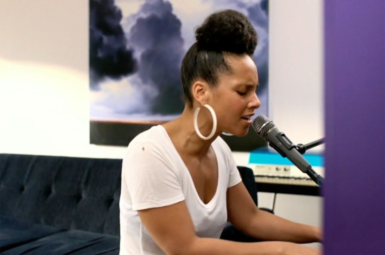 alicia-keys-the-iheart-living-room-concert-for-america-2020-billboard-1548-1585530538