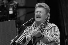 'Pickup Man' & More: Joe Diffie's Biggest Billboard Hits