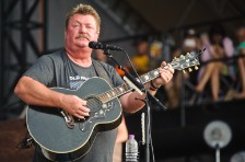 Joe Diffie Hits New Highs on Country Charts After His Death