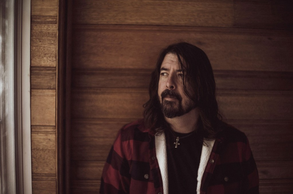 Dave Grohl Reflects on Nirvana Days & Foo Fighters' Debut Album on Its 25th Anniversary - Billboard