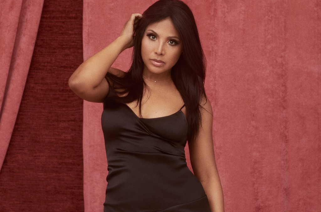 Toni Braxton to Release 10th Album 'Spell My Name' Next Month, Drops 'Dance' Single - Billboard