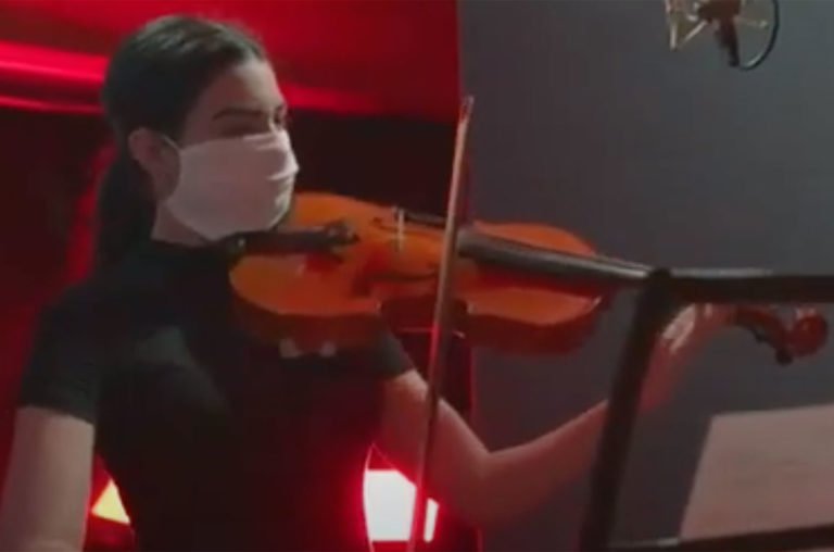 VIVIR-PARA-VENCER-Canción-al-1ro-de-Mayo-screenshot-2020-billboard-1548-1588255040