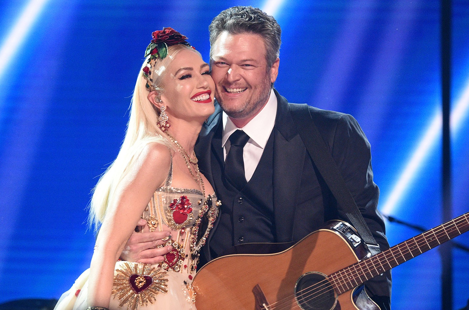 Blake Shelton Tops Country Airplay With Gwen Stefani Duet Nobody But You I Connect With Every Lyric Billboard I'm all wrapped up in his arms, but you're the one i really want truly he's the nicest guy, but i want you and i don't know why we fought more than tyson and holyfield, something about us felt so. blake shelton tops country airplay with