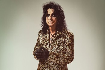 Alice Cooper Is Passing the Time in Quarantine in This Totally Unexpected Way