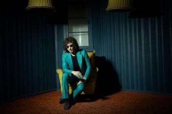 Bunbury Breaks Down 6 Essential Tracks on 'Posible': Exclusive