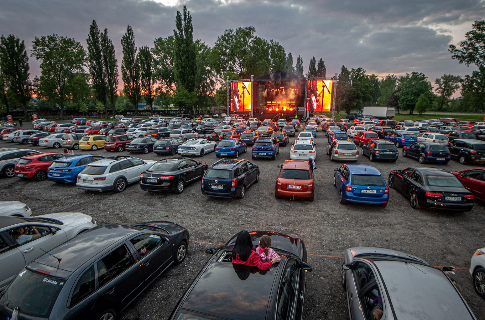 drive-in concert