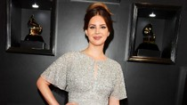 Lana Del Rey Responds to Backlash Over Controversial Comments | Billboard News