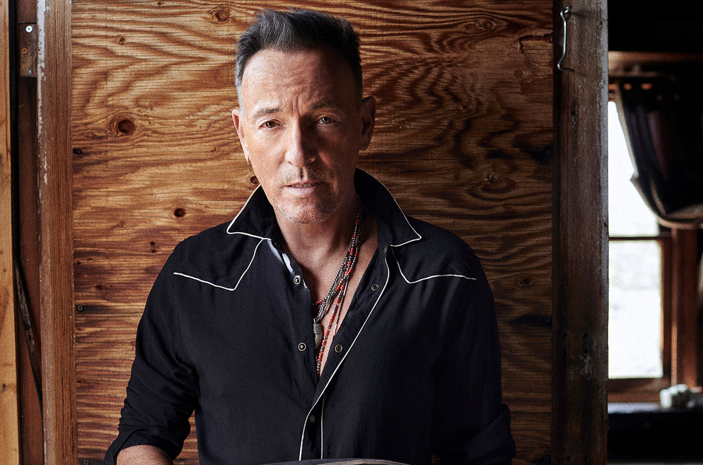 Bruce Springsteen Releases Live 1999 'Streets of Philadelphia' Album