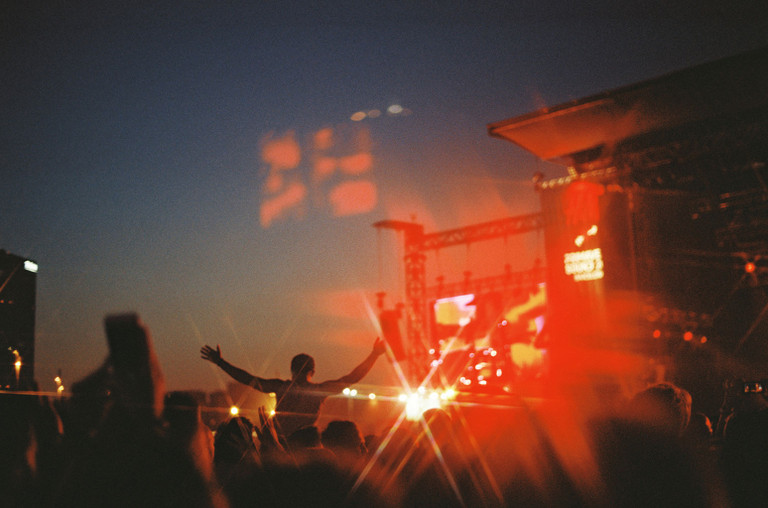 festival-crowd-night-atmosphere-billboard-1548-1593463450