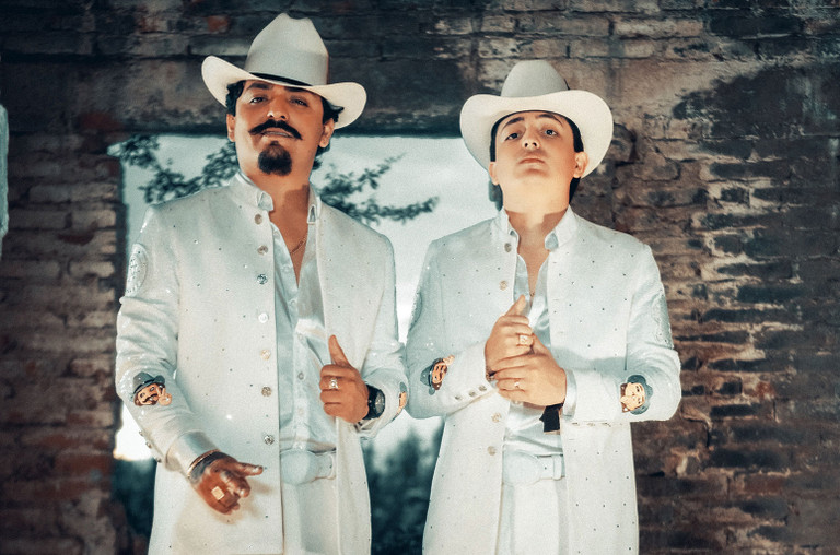 Los Dos Carnales Score First Regional Mexican Airplay Chart Top 10 With 'El Envidioso'