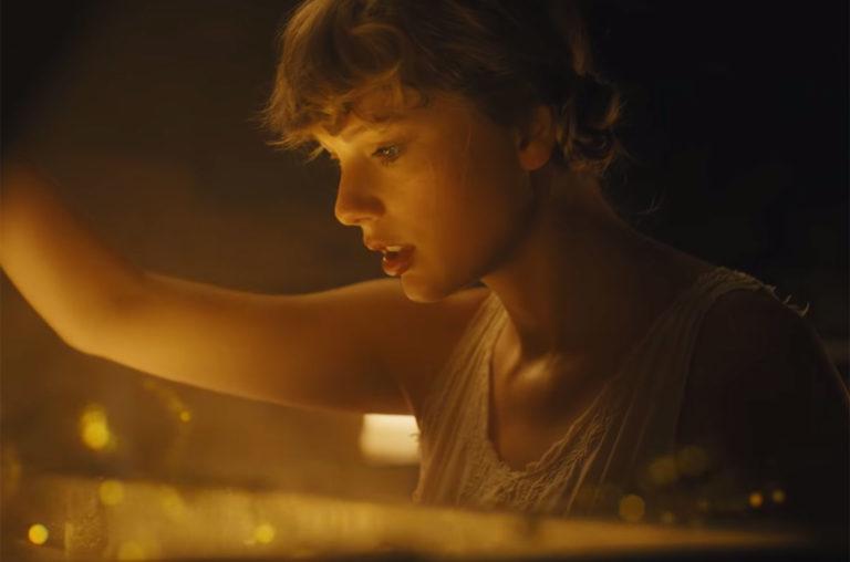 "Taylor Swift ""cardigan"""