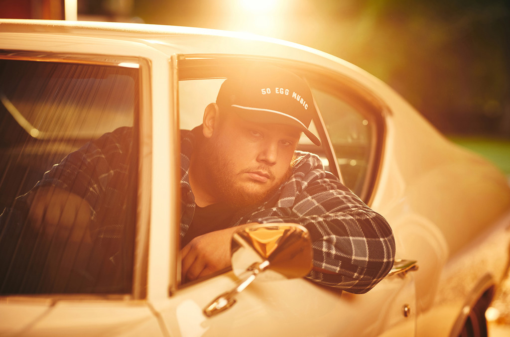 Luke Combs Signs Global Deal With Universal Music Publishing: Exclusive