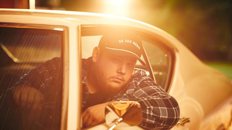 billboard.com - Chris Eggertsen - Luke Combs Signs Global Deal With Universal Music Publishing