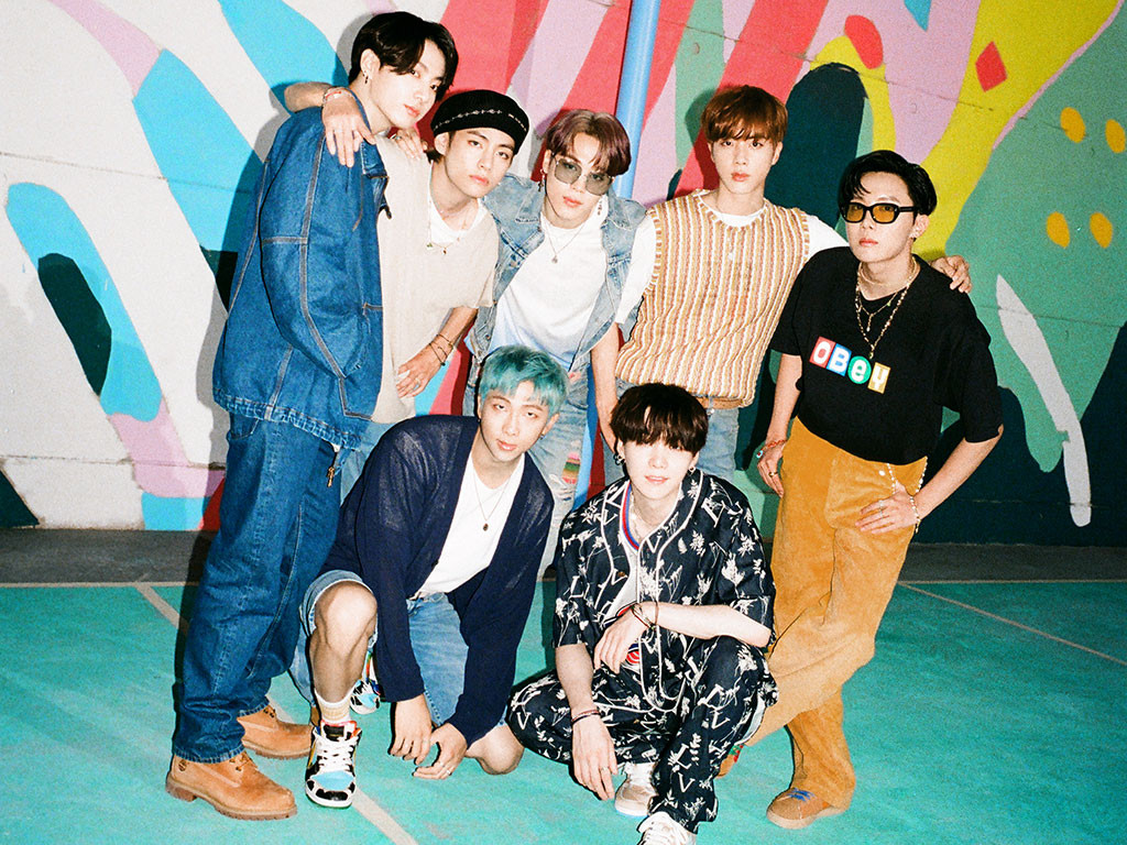 Kanjani Eight Leads, BTS Bows at No. 7 on Japan Hot 100