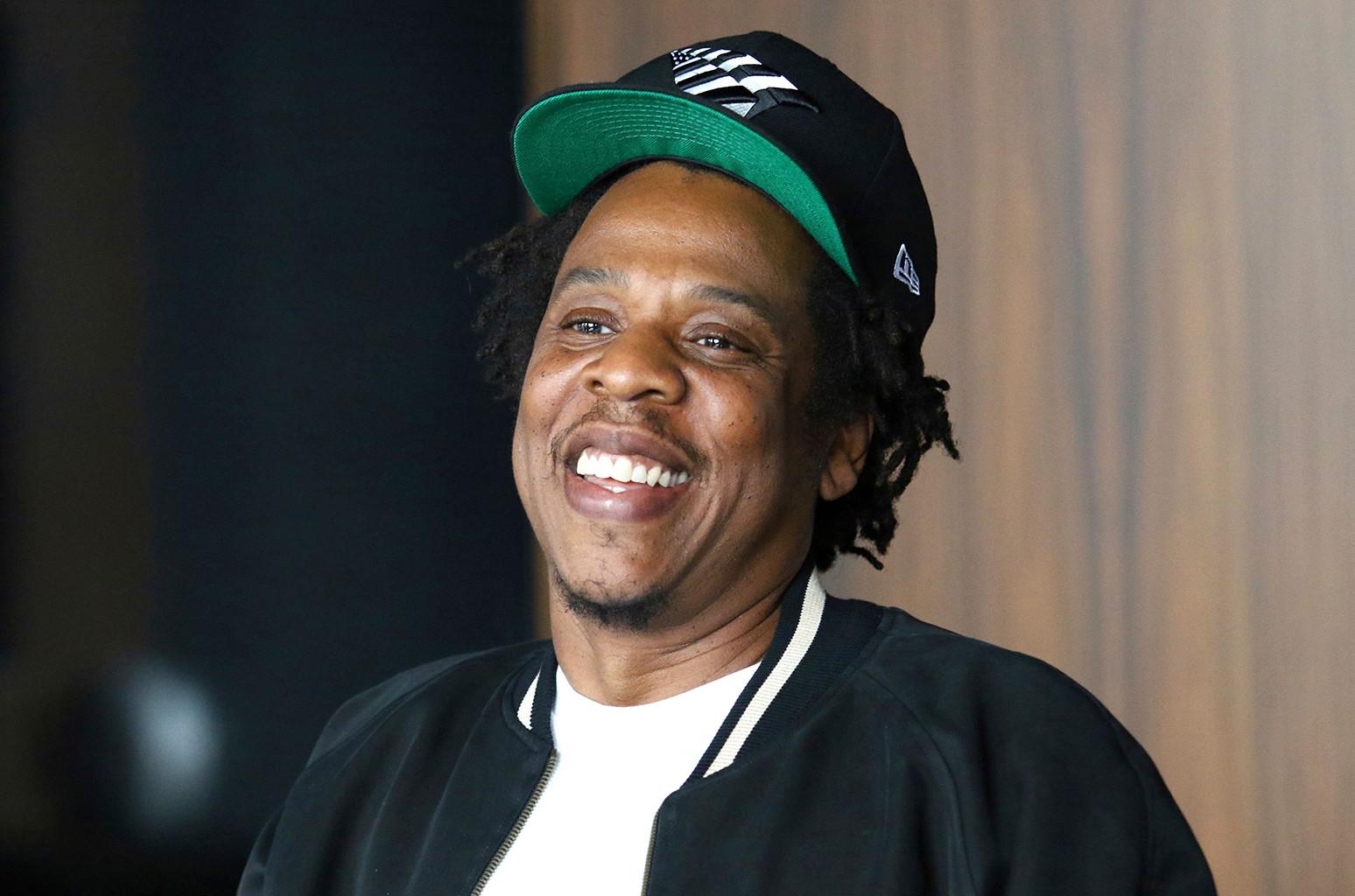 Jay-Z и D'usse выставят на аукцион редкую бутылку коньяка в пользу фонда Шона Картера