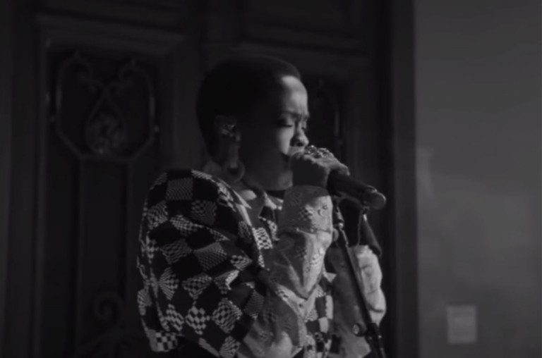 do-not-reuse-Lauryn-Hill-Shanghai-_-LOUIS-VUITTON-2020-billboard-1548-1598306709