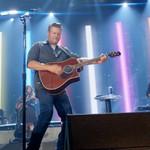 Blake Shelton Rocks on With 'Minimum Wage' Performance on 'Fallon': Watch