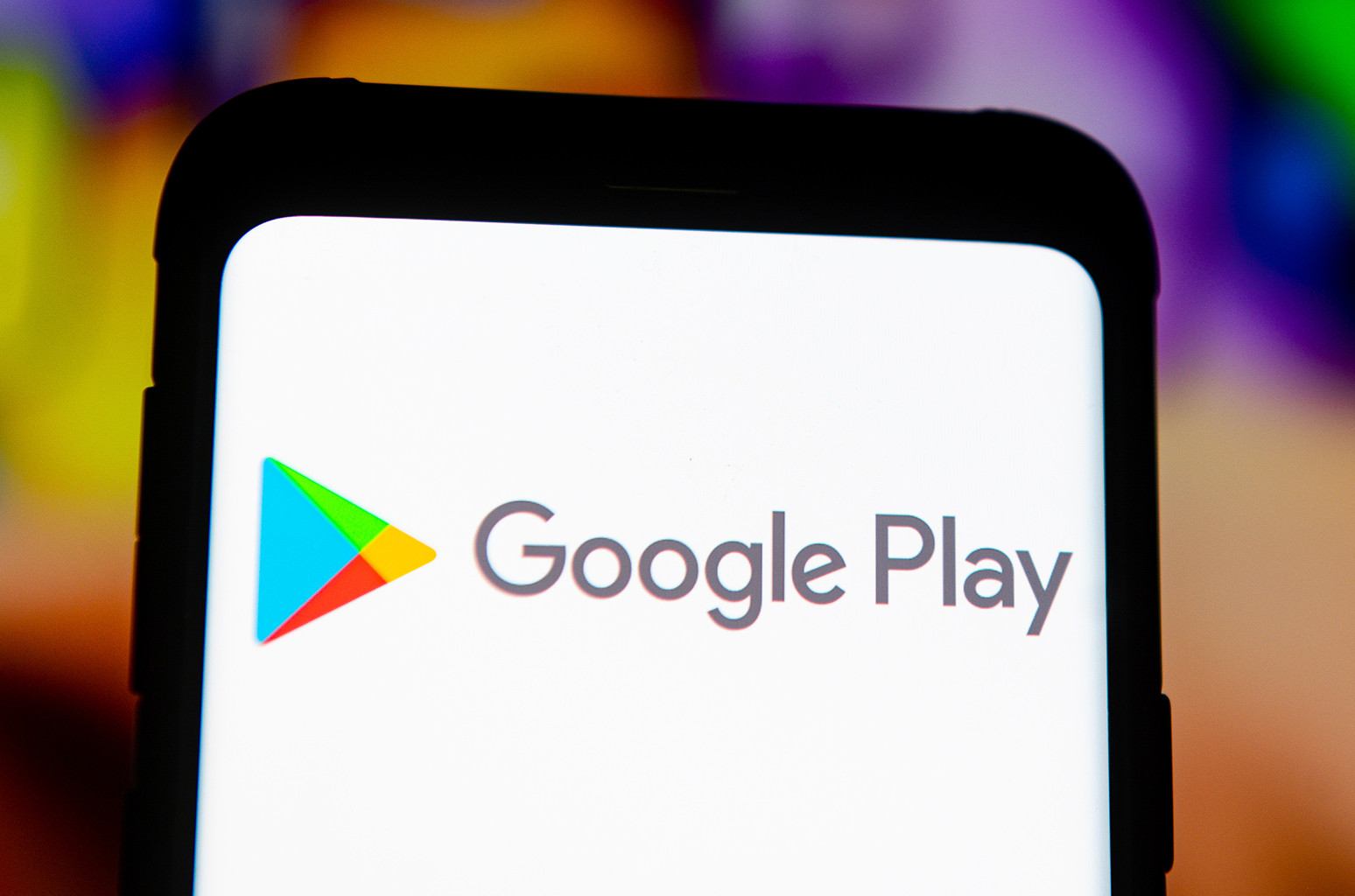 QnA VBage Google Play Cuts Fees for Subscription-Based Apps, Including Streaming Services