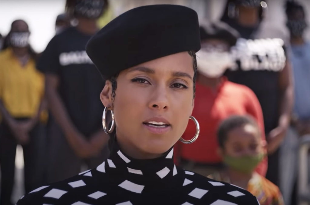 """Alicia Keys performs """"Lift Every Voice"""""""