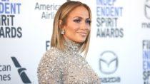 Beyoncé's Mom Jokes, Jennifer Lopez's Sizzling Swimsuit Photo & BTS' Tiny Desk Concert   Billboard News