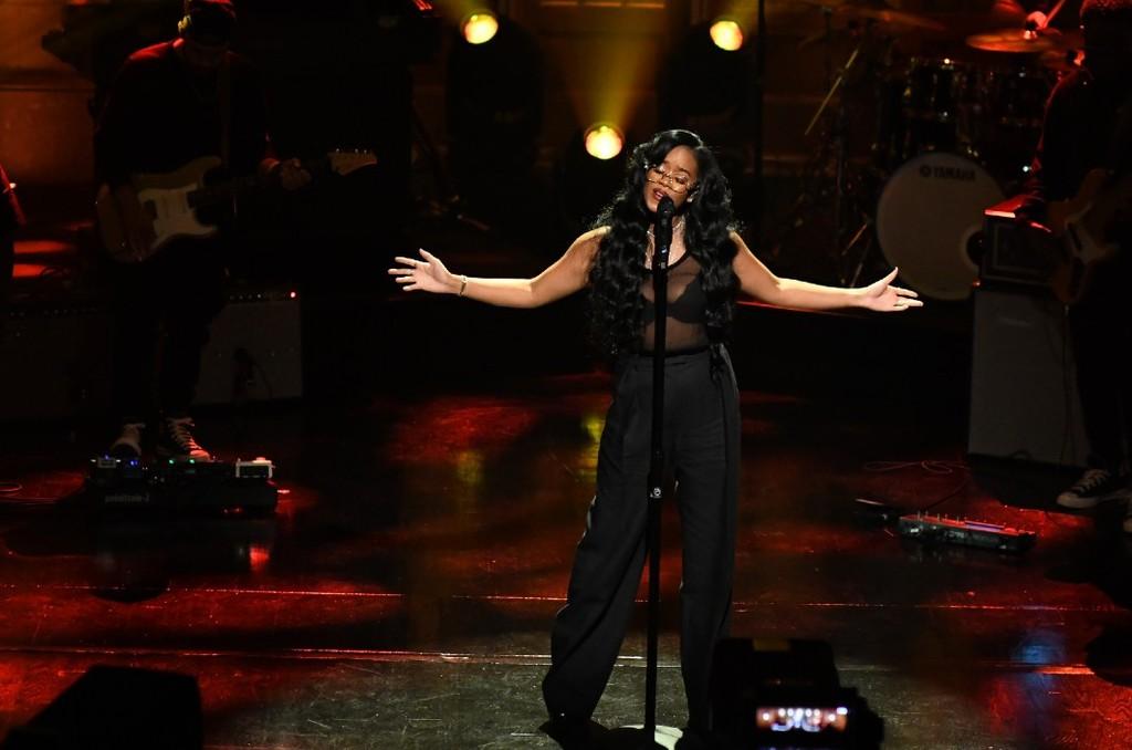 .@HERMusicx urged #EndSARS during her #SNL performance. Watch.