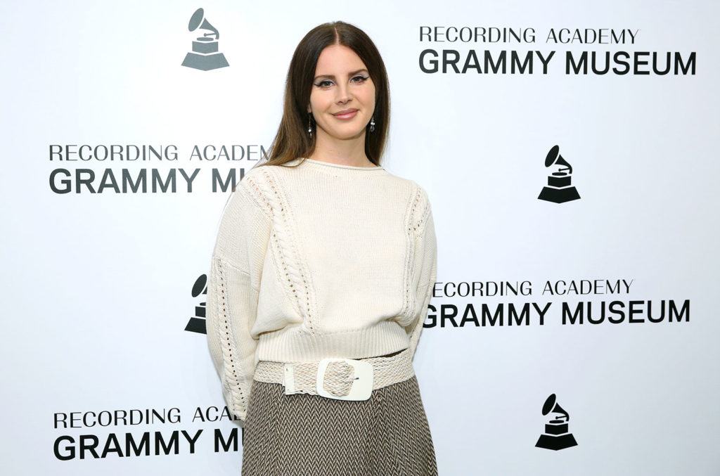 Watch Lana Del Rey Croon Classic Soccer Anthem You Ll Never Walk Alone Billboard