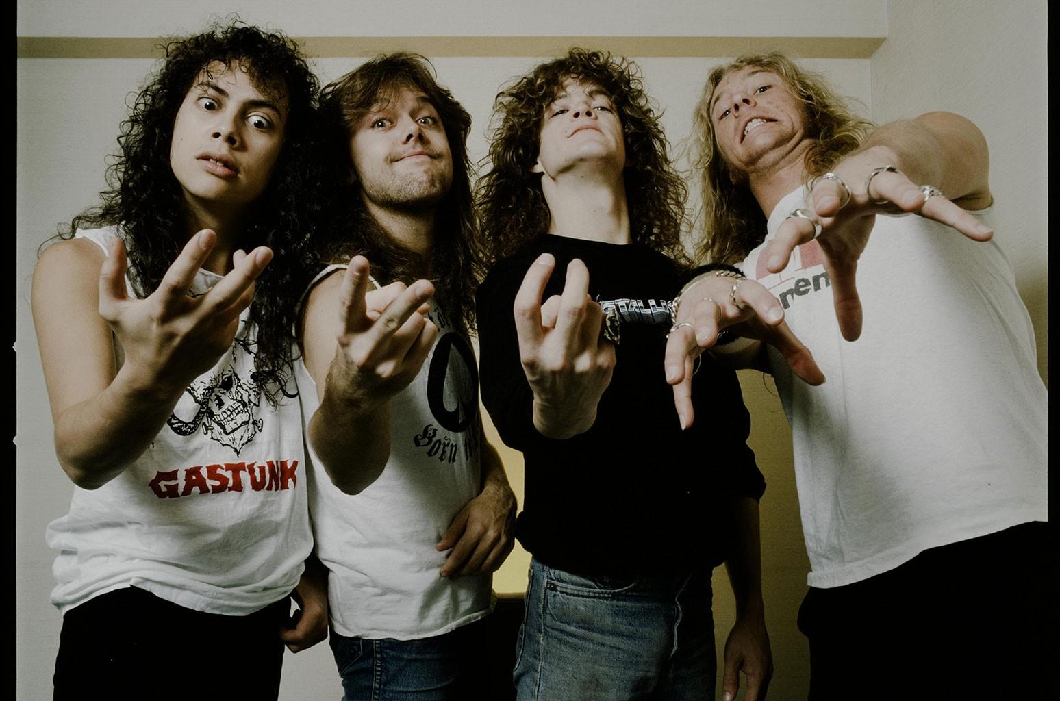 Они посмеялись над ее рубашкой Metallica, и эта звезда TikTok продолжила растопить их лица