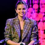 Selena Gomez Is 'Back to Work' in Smoldering Blonde Selfie thumbnail