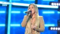 Kelly Clarkson Joins Forces With Pentatonix and Sheila E. to Open 2020 Billboard Music Awards | Billboard News