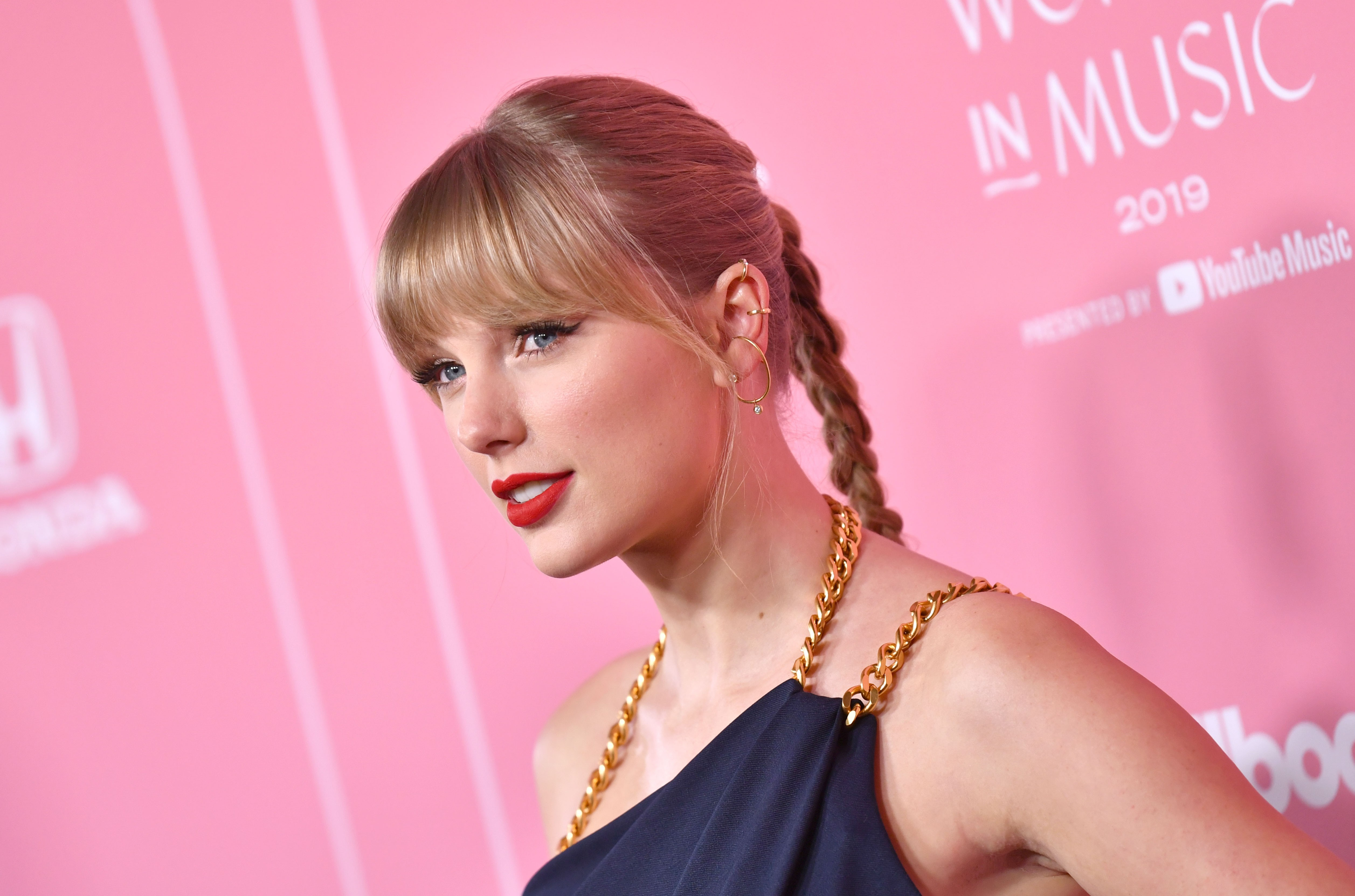 Yes Taylor Swift Recorded A 10 Minute Version Of All Too Well With A Swear Word Billboard