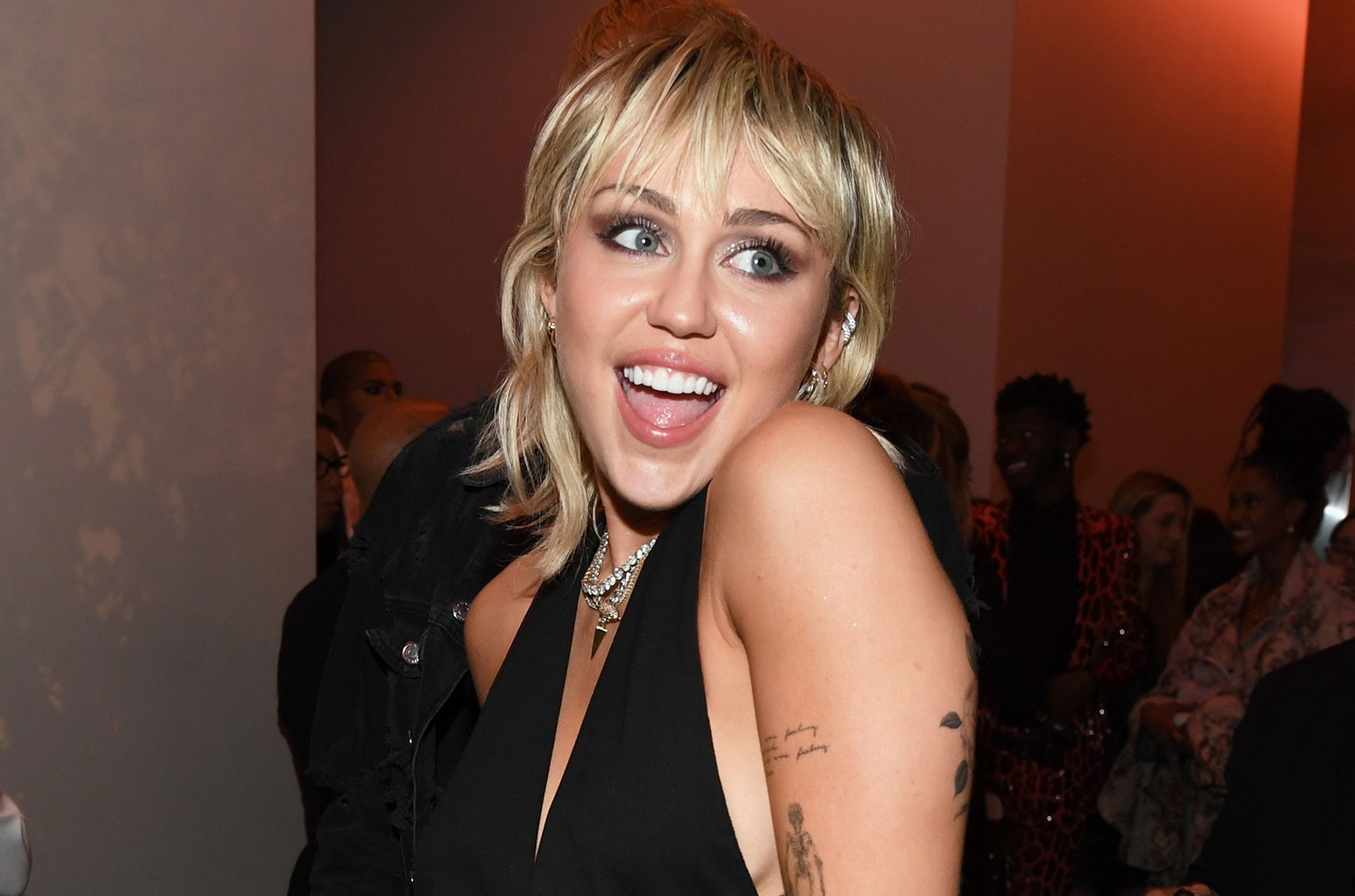 Miley Cyrus to Perform at 'TikTok Tailgate' Super Bowl Pre-Show for Vaccinated Health Care Workers - Billboard