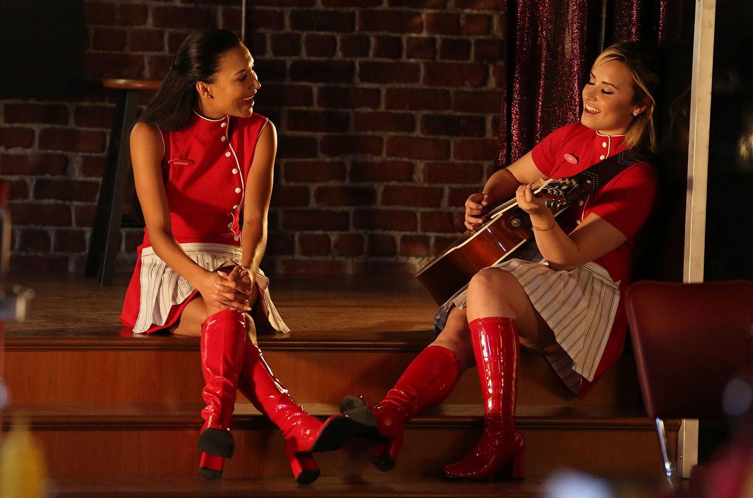 Деми Ловато отдает дань уважения Нае Ривере публикацией с возвращением Glee: «Miss You»