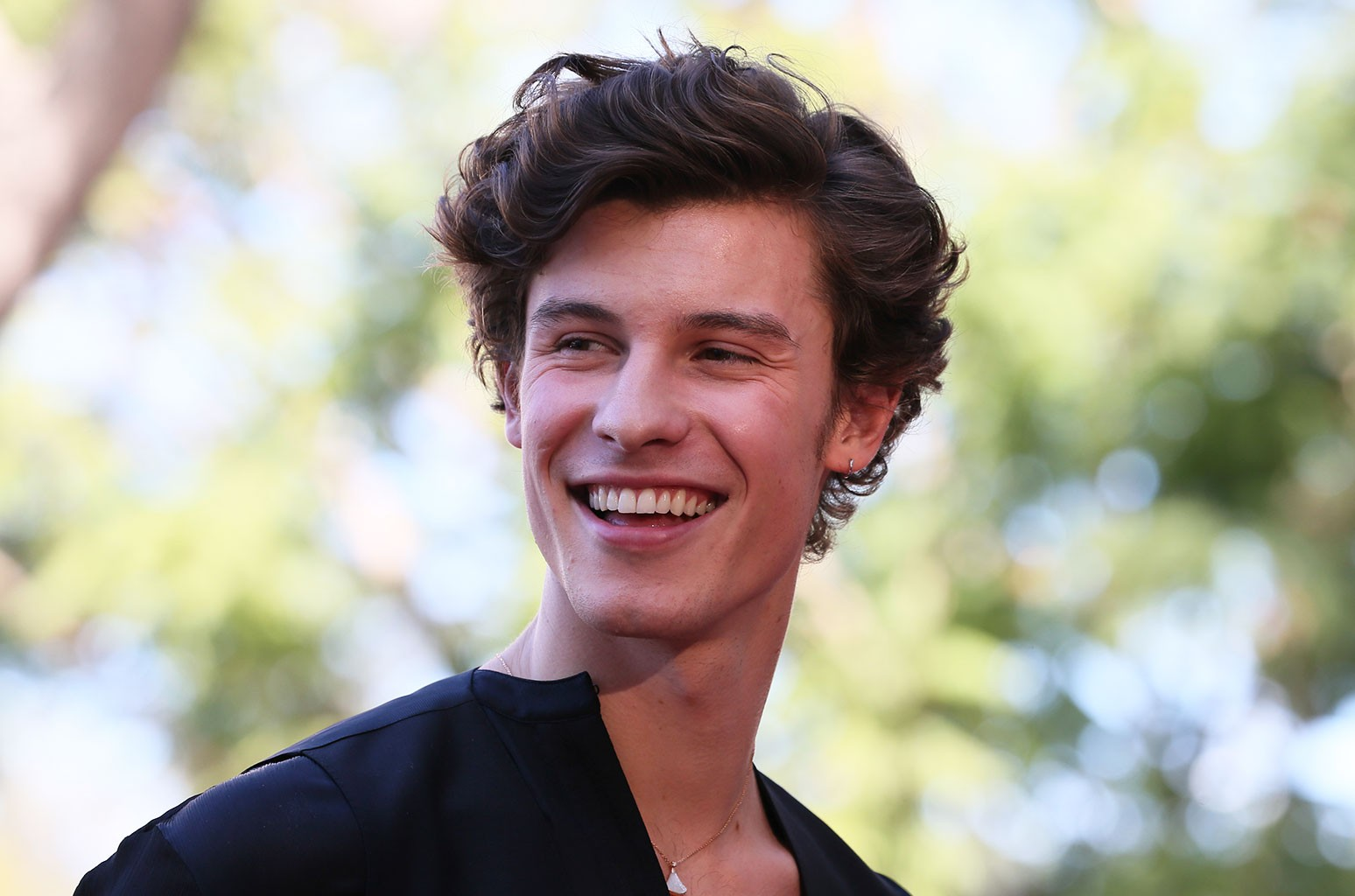 shawn mendes four no 1 albums before turning 23 billboard