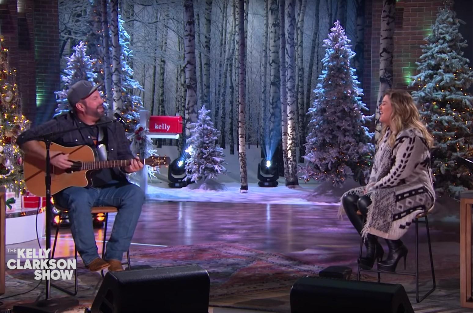 Kelly Clarkson & Garth Brooks