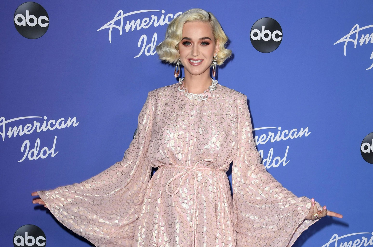 Raven-Haired Katy Perry Talks Motherhood During COVID, Super Bowl, Taylor Swift Baby Gift on 'Kimmel'