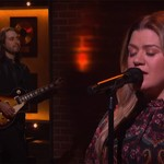 Kelly Clarkson Takes on Roxette's'It Must Have Been Love' on Anniversary of Marie Fredriksson's Death thumbnail