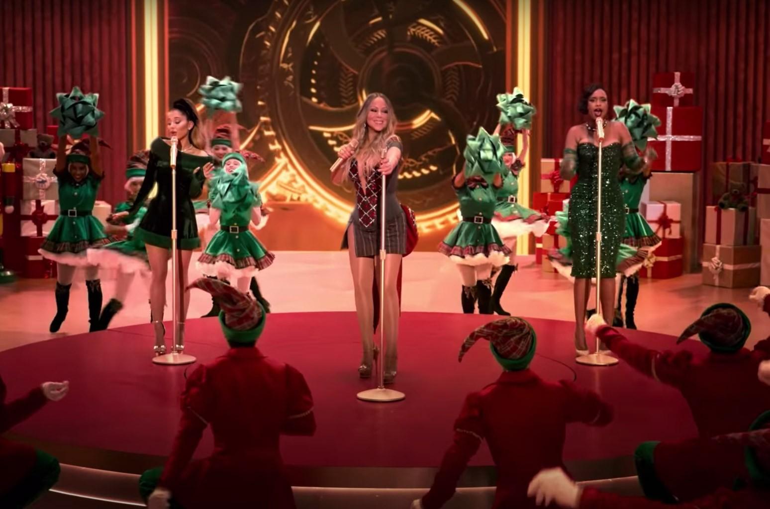 """Mariah Carey, Ariana Grande and Jennifer Hudson perform """"Oh Santa"""""""