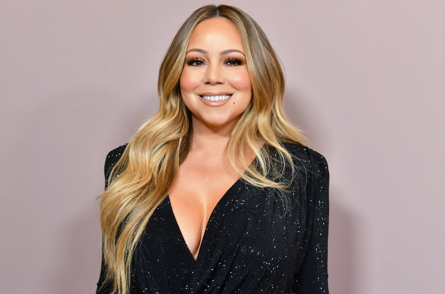 Mariah Carey Does Not Approve of This Fan's Festive Ornament