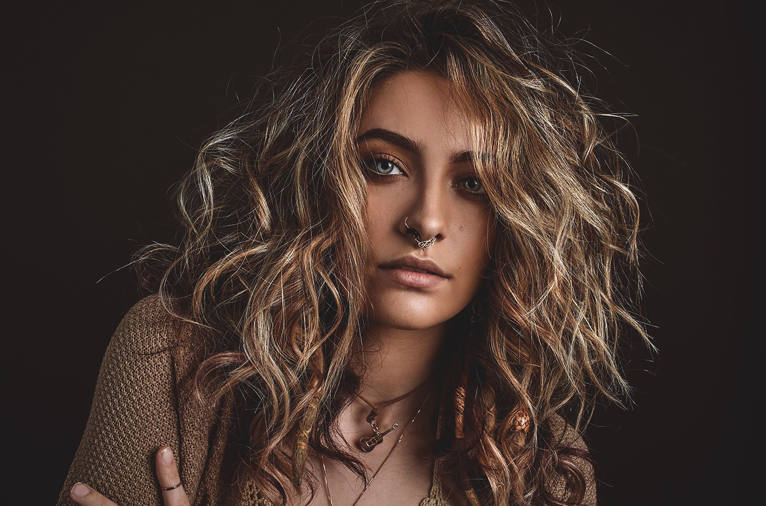 Paris Jackson Unveils 'Eyelids' Video With Manchester Orchestra's Andy Hull