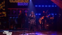Kelly Clarkson Performs Perfect Rendition of Fleetwood Mac's 'Dreams' | Billboard News