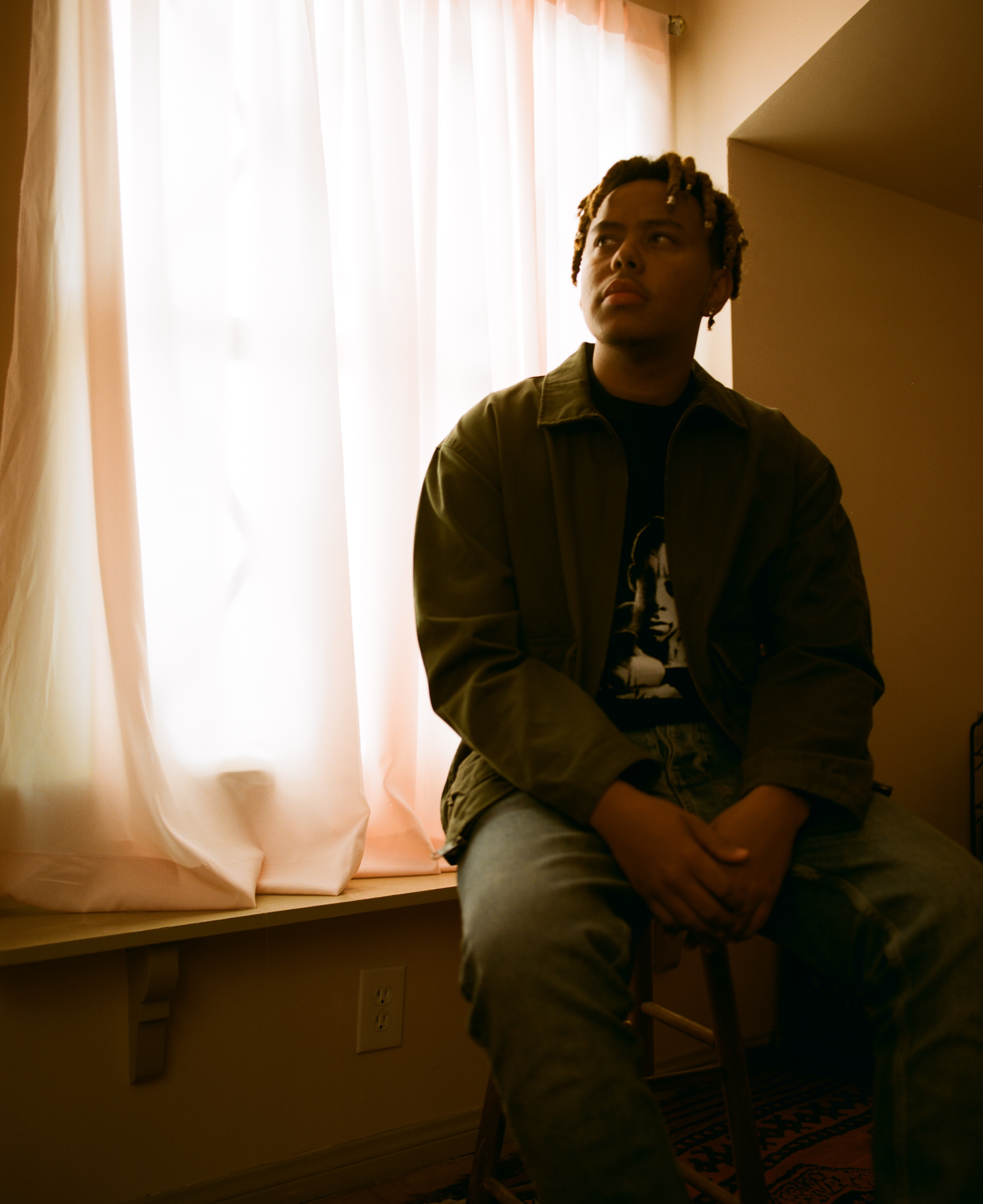 Cordae Unveils Two New Exclusive Performances for 'Thanksgiving' and 'Thousand Words'