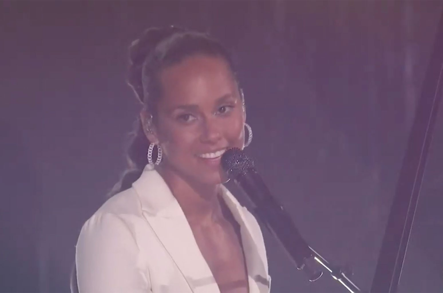 Watch Alicia Keys, Miley Cyrus & More Perform at the Post-Super Bowl 'Verizon Big Concert for Small Business'