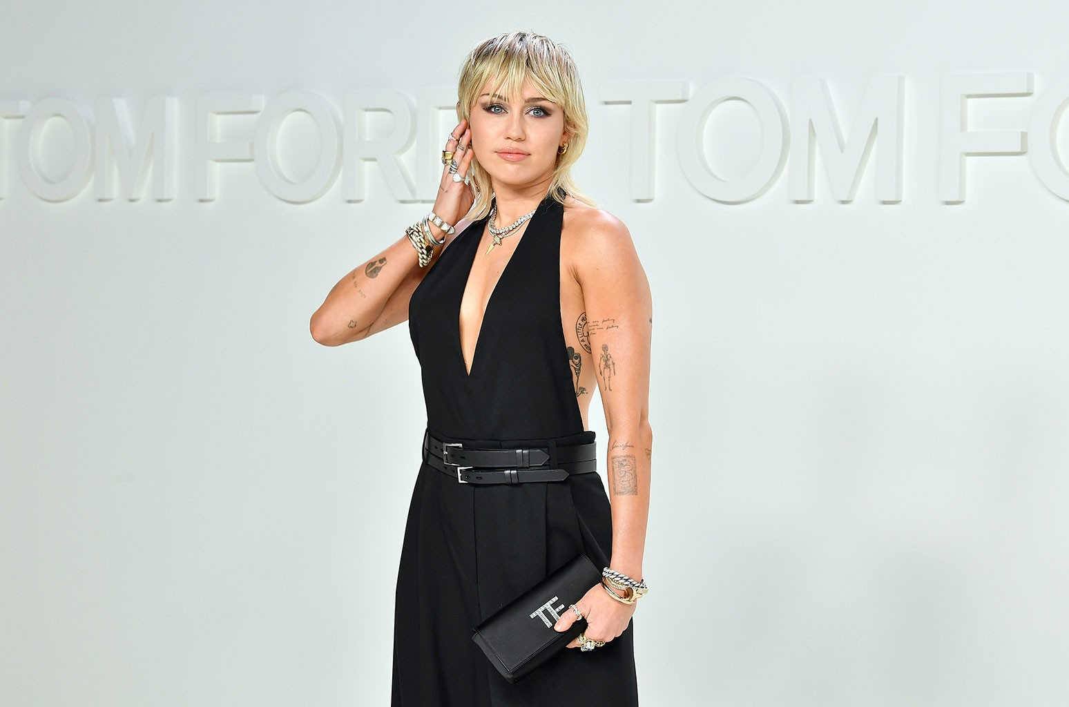 Miley Cyrus is Handing $1 Million in Stock to Smilers and They're Freaking Out