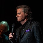 B.J. Thomas, 'Raindrops Keep Fallin' on My Head' Singer, Dies at 78