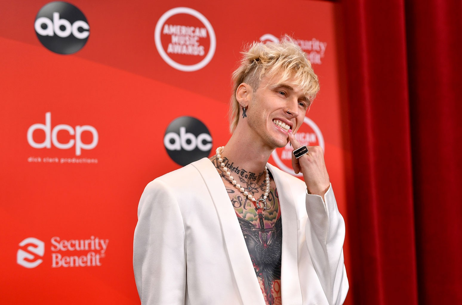 Machine Gun Kelly Says He 'Wanted to Be a Jedi' | Billboard