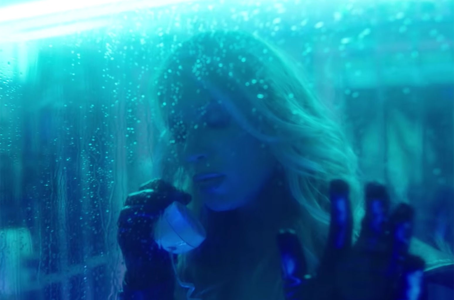 """Anabel Englund & MK """"Underwater"""""""